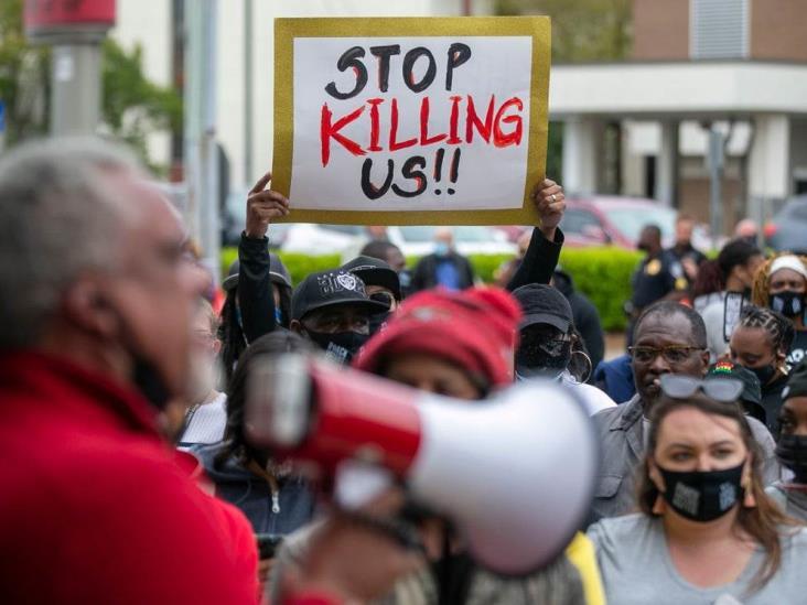 Policías disparan y matan a un hombre negro en Carolina del Norte