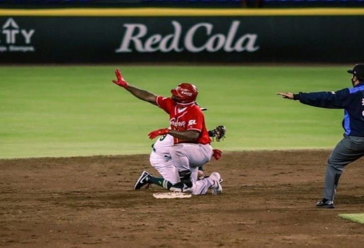 El Águila vence a Guerreros en el primer juego de la doble cartelera con un rally de cuatro carreras en la séptima entrada