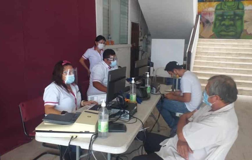 INE atiende en Palacio de Agua Dulce por daños en oficinas