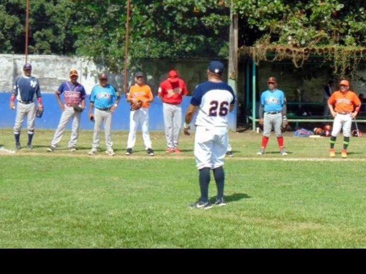 """Inicia liga de béisbol """"Perfecto Vélez Ortiz"""""""